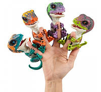 Интерактивный динозавр WowWee Fingerlings Untamed Raptor