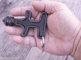 Брелок для самообороны стингер кастет с упорами Stinger