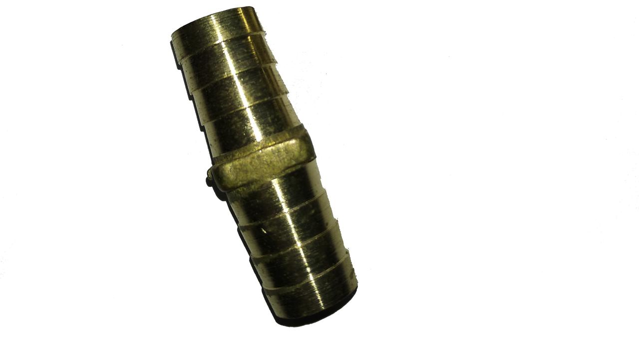 Соединение латунное для шланга 8 мм