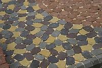 """Тротуарная плитка ТМ Золотой Мандарин """"Маргарита"""" идеально подходит для укладки больших площадей благодаря огромной цветовой гамме и многочисленным вариантам кладки."""