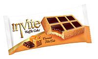 Кекс «Invite» в виде вафли с шоколадом и карамелю