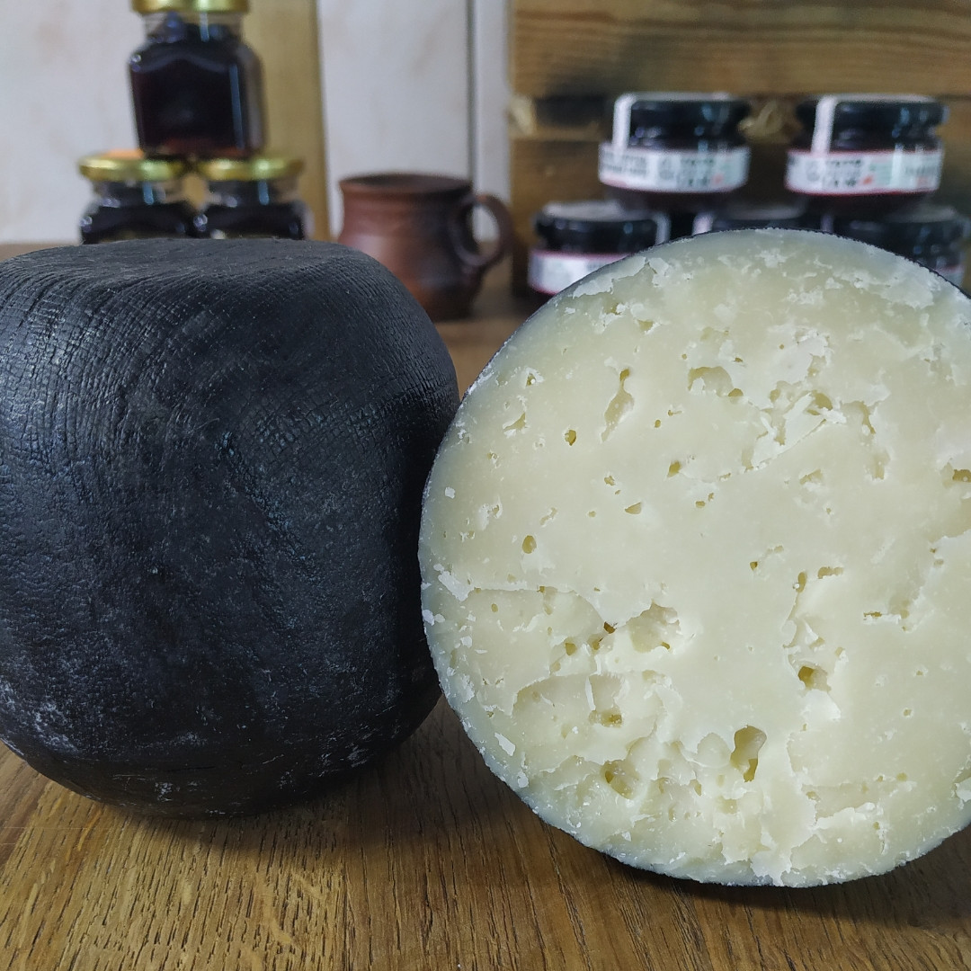 Сир витриманий козиний Твердіроги 100г ф.г. Коза Джалі