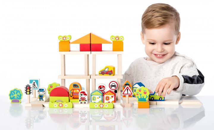 """Конструктор """"Містечко для хлопчиків"""". Дерев'яна розвиваюча іграшка Cubika"""