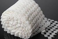 Лента из жемчуга декоративная Edelweiss 110 мм белого цвета с узором в цветочек