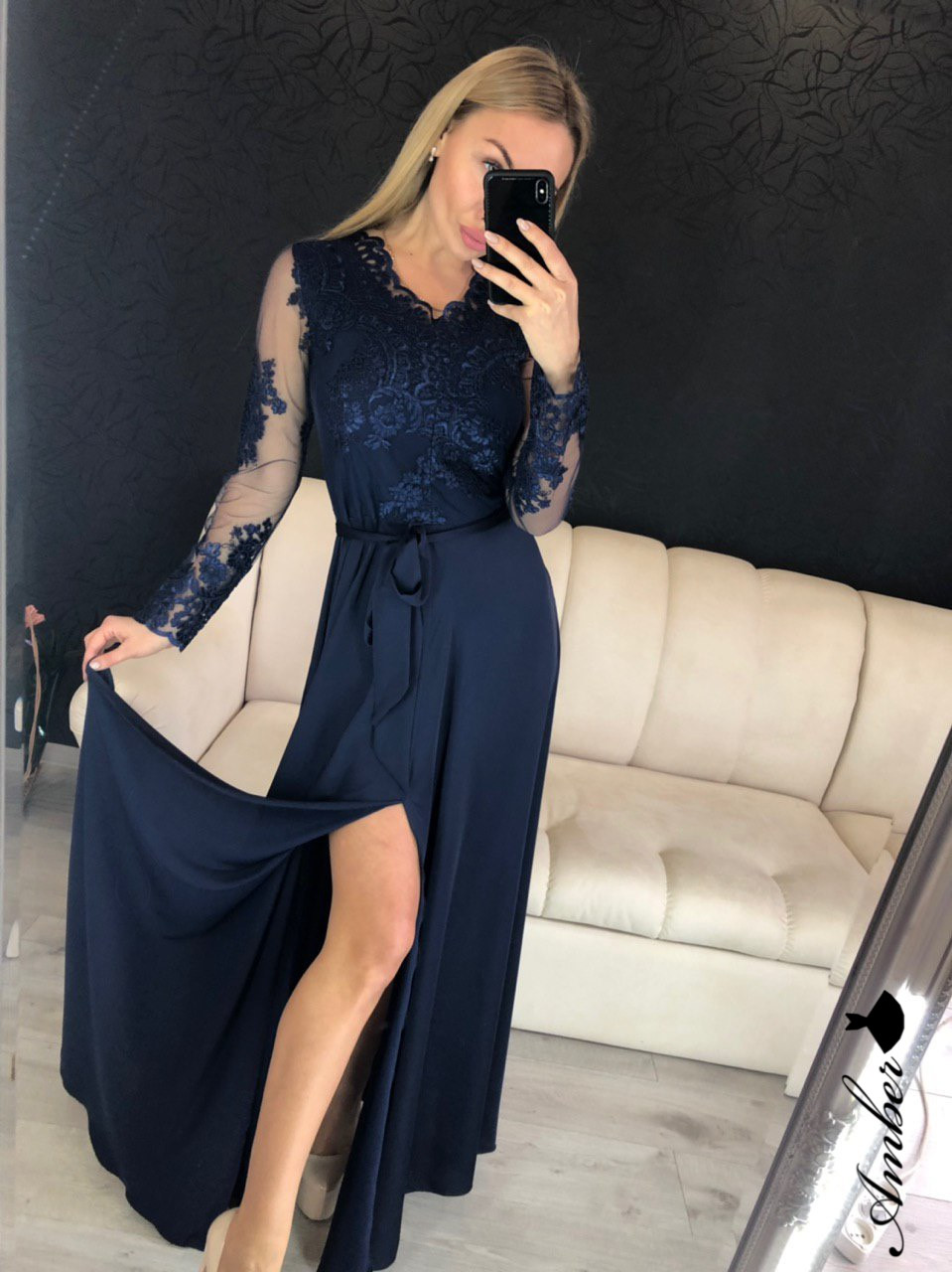 Вечернее шелковое платье из шелка Армани с кружевом