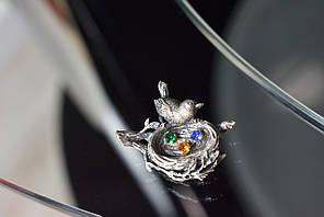 Винтажная серебряная брошь с разноцветными фианитами