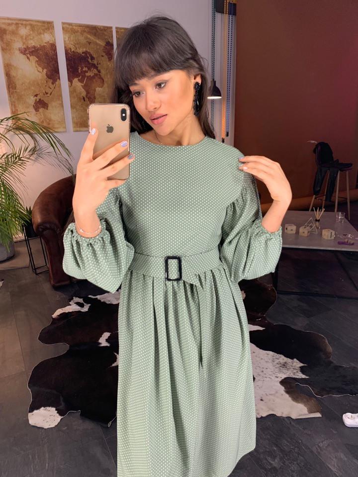Стильное платье в мелкий горошек с рукавами-фонариками