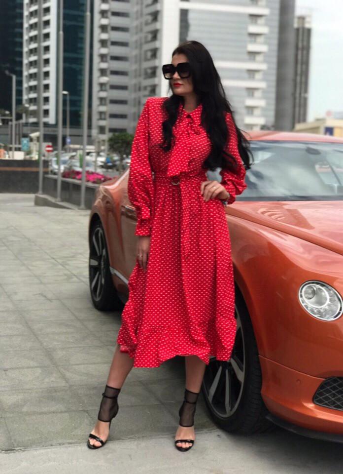 Модное легкое платье в мелкий горошек длины миди (много расцветок)