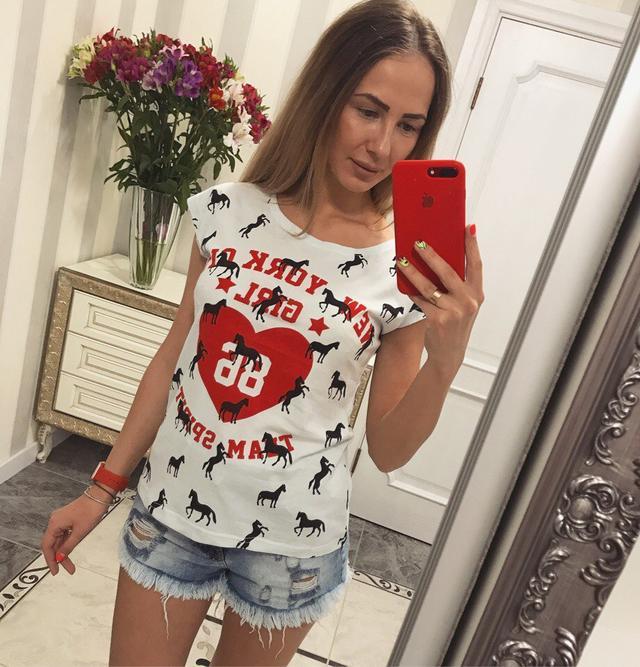 Модная летняя футболка