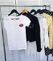 Женская футболка Kiss белая качественная шелкография