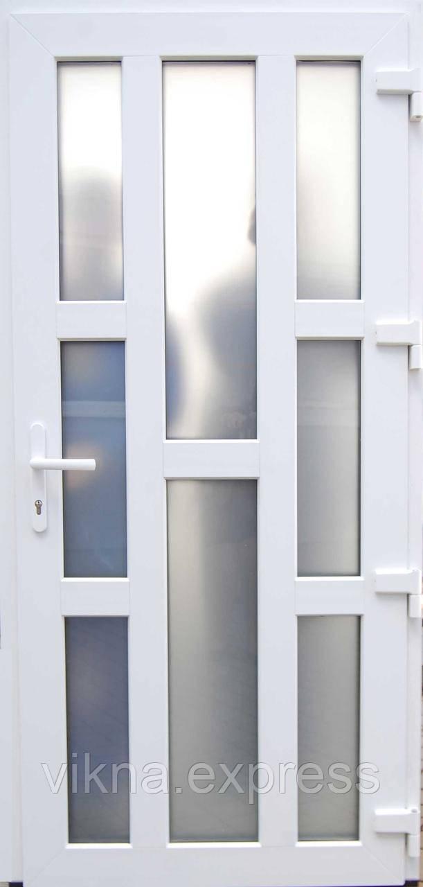 Пластиковые входные двери (германия)  Steko