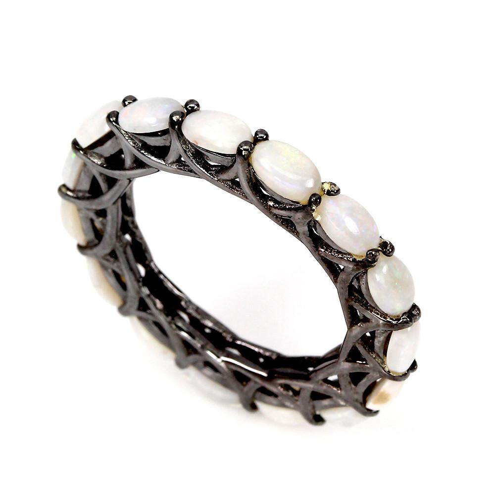 Серебряное кольцо с опалами  размер 18