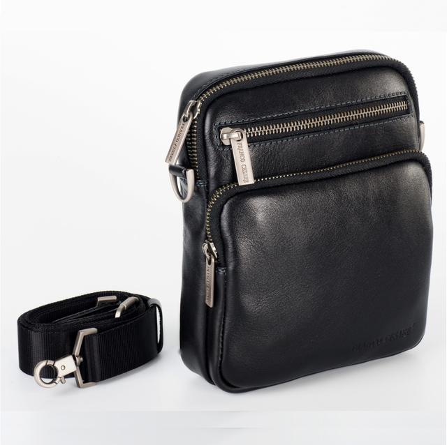 ef51f92e2844 Наплечная мужская сумка для повседневного использования от итальянского  бренда Franco Cesare.