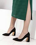 Шикарные черные замшевые женские туфли на фигурном каблучке, фото 5