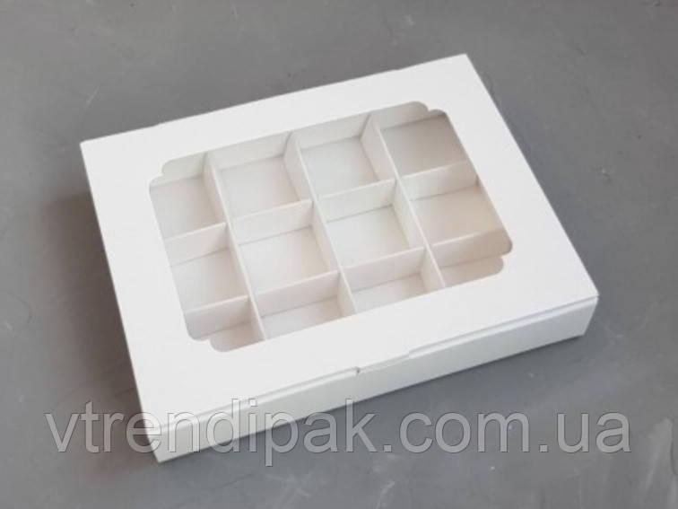 Коробка для 12 цукерок, macarons  білий мелований картон з вікном (плівка ПВХ) 200*156*30