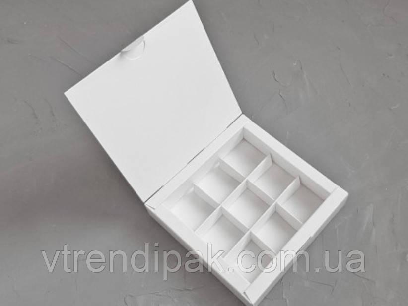 Коробка для 9 цукерок 153*153*30