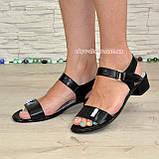 Женские кожаные босоножки на маленьком каблуке, цвет черный, фото 3