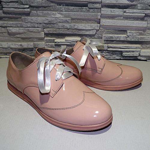 Туфлі жіночі лакові на шнурках