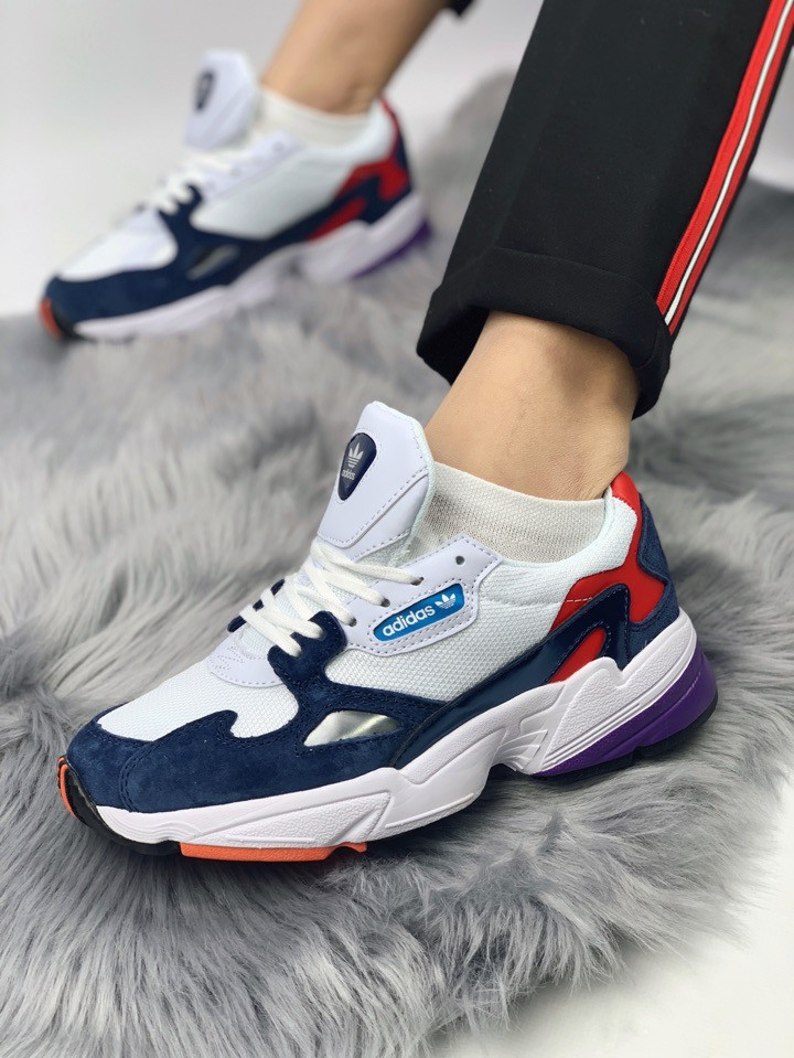 ТОП качество. Кроссовки 36-39 размеры Adidas Falcon W (Crystal White/Crystal White/Collegiate Navy)