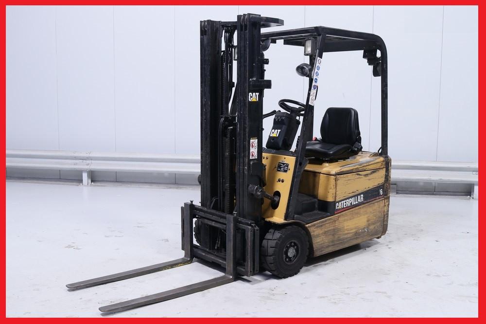 Электропогрузчик Caterpillar EP16KT, 1600кг, вагонник, батарея 2011 года!