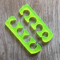 Разделитель для пальцев ног силиконовый (цвета в ассортименте), пара 2 штуки