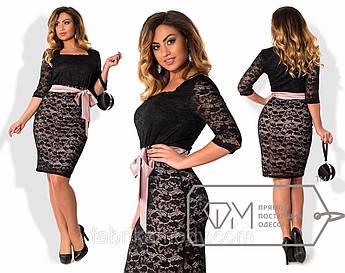 ed7ef885bd2 Платье мини облегающее из гипюра на подкладе из масла и атласа с квадратным  вырезом и атласным