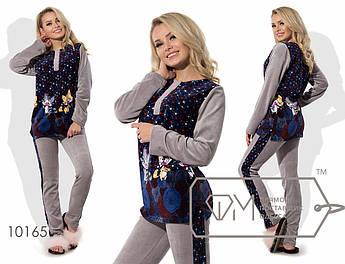 Домашний костюм из велюра - прямая туника с рисунком, однотонными рукавами и застёжкой-поло плюс приталенные штаны с лампасами 10165