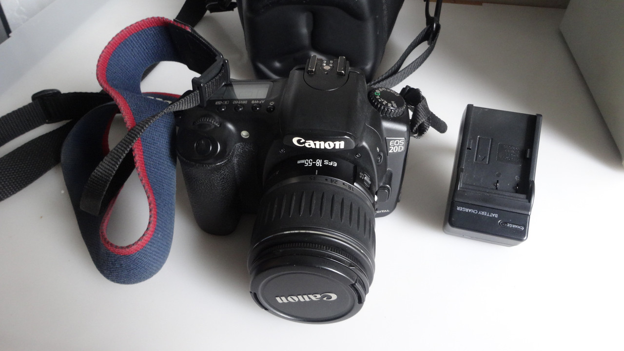 Зеркальная цифровая камера Canon EOS 20D