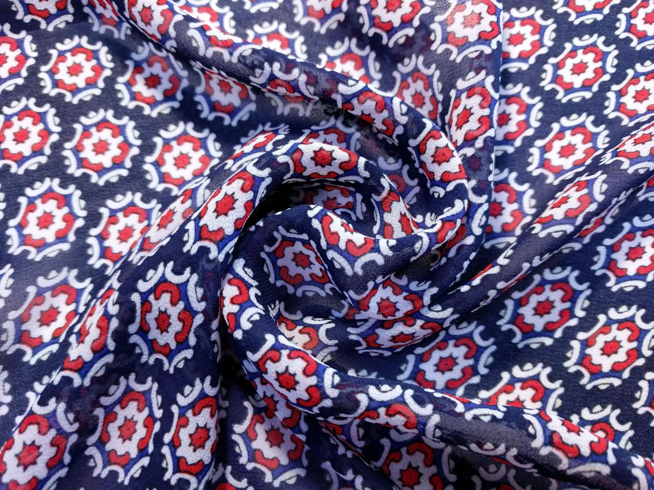 Шифон креповый цветочная геометрия, красный на темно-синем