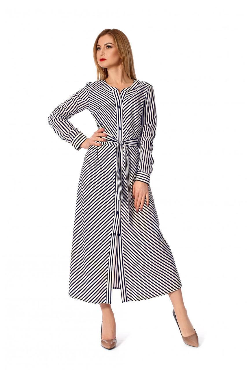 Стильное женское платье-рубашка с поясом молочное
