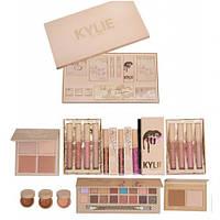 Большой подарочный набор для макияжа Kylie Jenner Big Box, фото 1