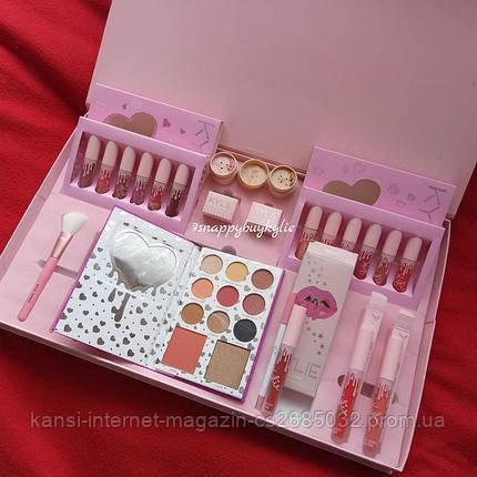 Набор косметики Kylie Jenner Big Box розовый,