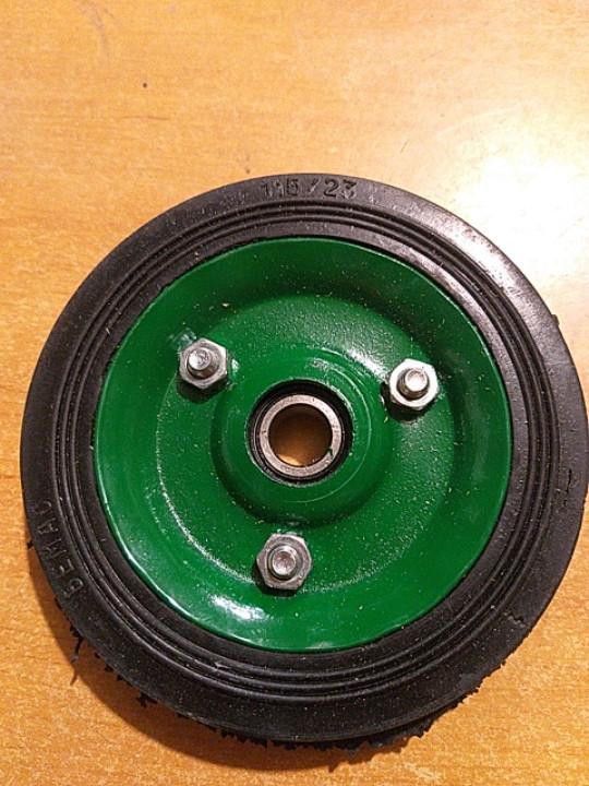 Колесо для тележки диаметром 115 мм.