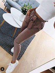 """Модные женские деловые брюки с бантом и рюшами на талии """"Панни"""" мокко"""