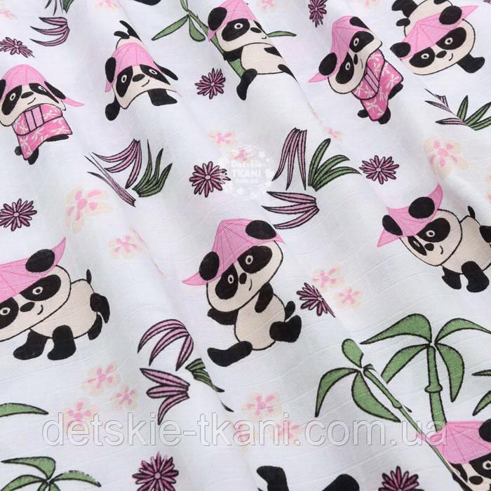 """Ткань муслин """"Панды в розовых шляпах под бамбуковыми деревьями"""" на белом, ширина 180 см"""