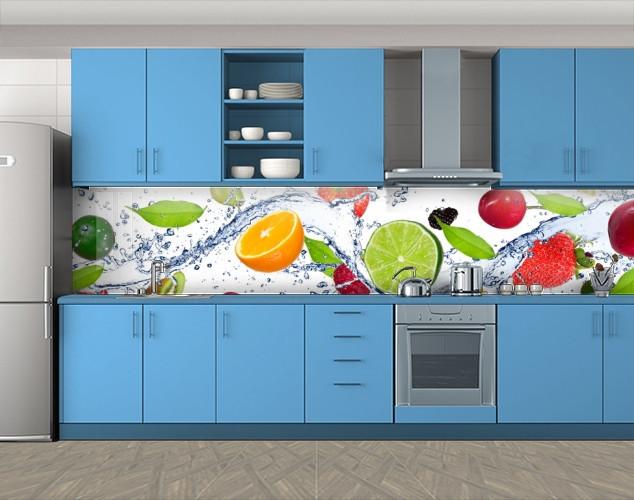 Кухонный фартук Цитрусы и ягоды в воде, Пленка самоклеящаяся для скинали, Еда, напитки, белый, 600*3000 мм