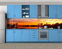 Кухонный фартук Закат на реке, Кухонный фартук на самоклеящееся пленке с фотопечатью, Город днем, оранжевый