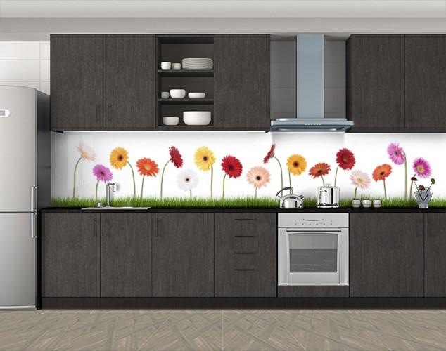 Кухонный фартук Разноцветные герберы, Самоклеящаяся скинали с фотопечатью, Цветы, белый