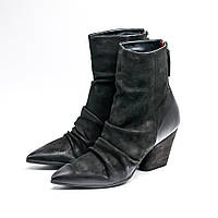 Женские оригинальные черные замшевые ботинки на каблуке итальянского бренда Harmanera, фото 1