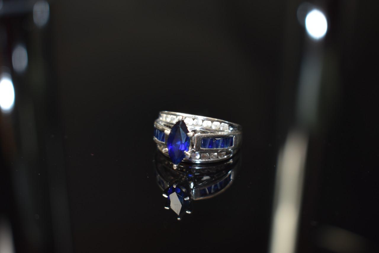 Серебряное кольцо 925 проба с камнем Лондон Топаз и Белый Топаз