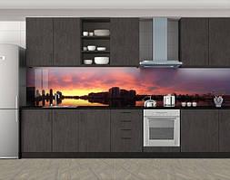 Кухонный фартук Вечернее небо над городом силуэт, Фотопечать кухонного фартука на самоклейке, Город днем, коричневый