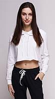 Топ женский спортивный с капюшоном белый