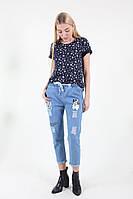 Модные рваные джинсы женские с рисунком