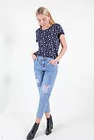 Модные рваные джинсы женские молодежные