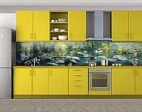 Кухонный фартук Каменистая речка в лесу, Самоклеящаяся стеновая панель для кухни, Природа, зеленый