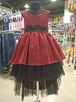 Очень красивое платье-шлейф бордового цвета из легкой струящейся ткани на выпускной вечер для девочки