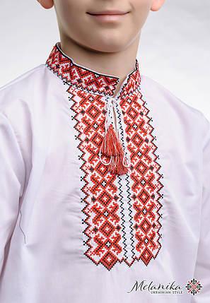Вышиванка для мальчика с длинным рукавом с геометрическим орнаментом «Андрей (красная)», фото 2