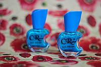 Перламутровый лак для ногтей голубого цвета