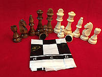 Набор больших деревянных шахматных фигур в стиле Стаунтона