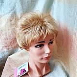 Парик короткий кудрявый соломенный блонд  ZINA-24Н613, фото 6